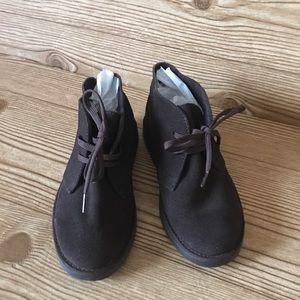 ac5addba2cb3 Boys Gymboree Faux Suede brown boots sz.12 NWOT